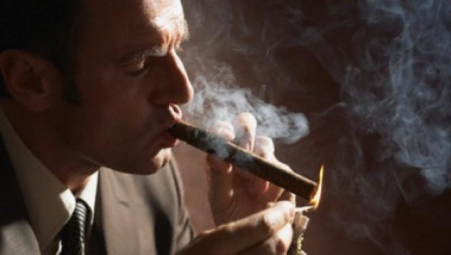 Кийфър Съдърланд: В затвора спрях да пуша