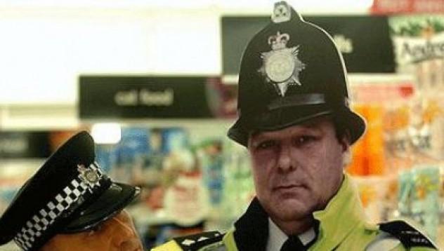 Картонени полицаи
