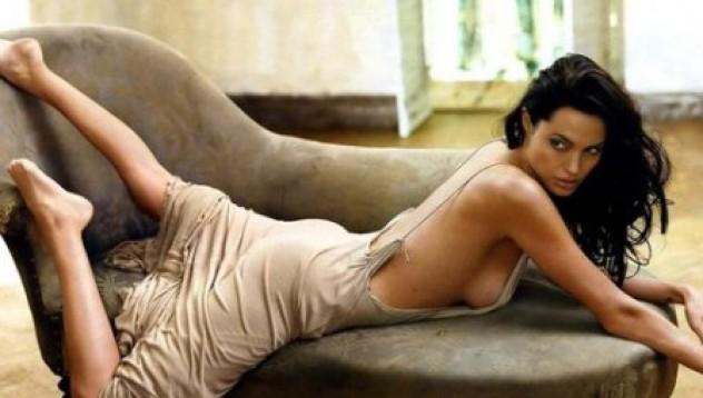 Изневяра с Анджелина Джоли и Джони Деп - разрешена!
