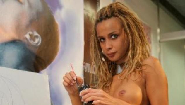 Порно звезда: Ще скъсам Бербо от секс