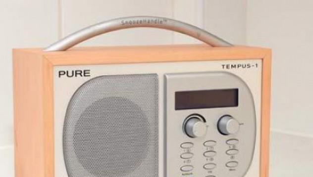 Първокласничка води радио предаване