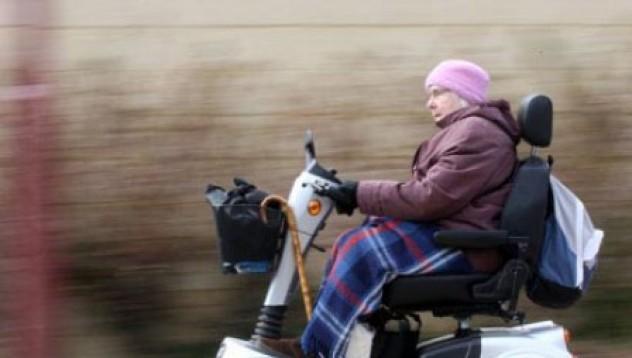 Баба и скутер