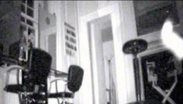 Призрак броди във фризьорски салон