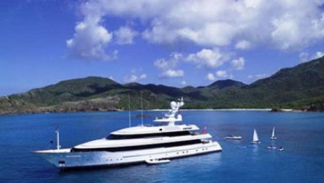 Обеднели бизнесмени връщат луксозни яхти