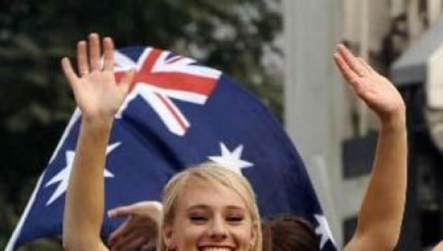 Австралийките одобряват груповия секс