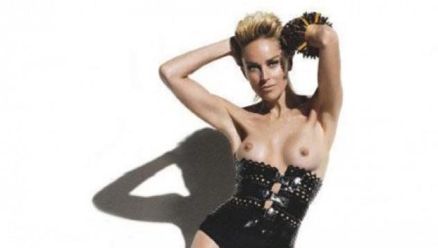 Шарън Стоун topless на корица