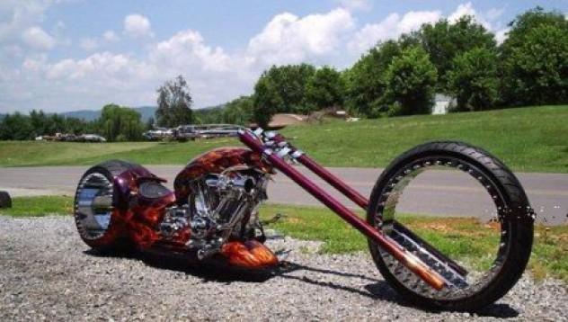 Чопър със странни колела