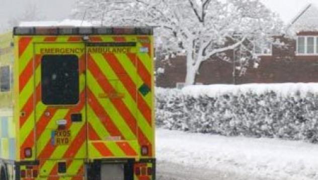 Мъж открадна линейка с пациент