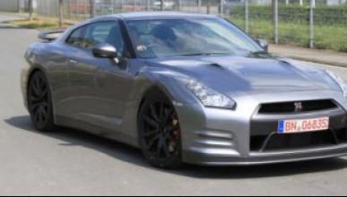 Nissan GT-R фейслифт тренира на Нюрбургринг