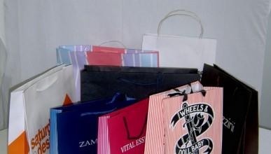 Оправдават женките за шопинга