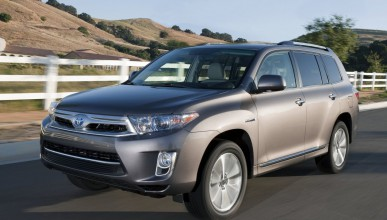 Топ 10 на най-достъпните луксозни автомобили в САЩ за 2011 г.