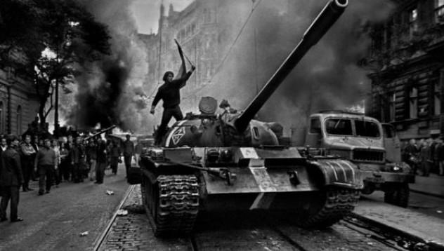 Инвазията в Чехословакия