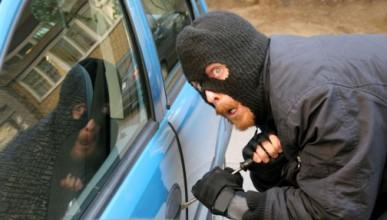 Автомобилни хакери