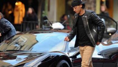 Йозил си купи Ferrari