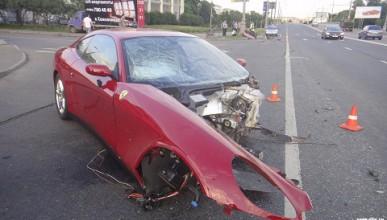 Руснак унищожи Ferrari