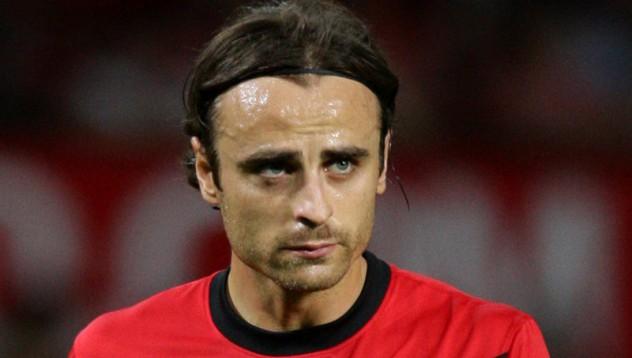 Бербатов може да играе в Арсенал