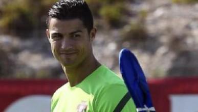 Роналдо остава в Реал
