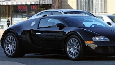 Саймън си купи Bugatti