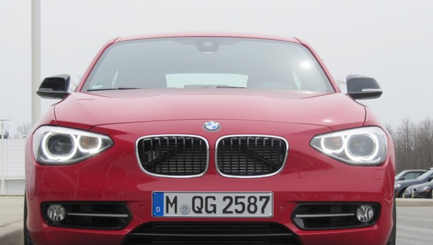 BMW пуска 3-цилиндров двигател