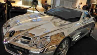 Златен Mercedes удиви Дубай