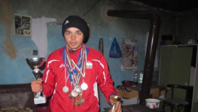 Йордан Петров със златен медал