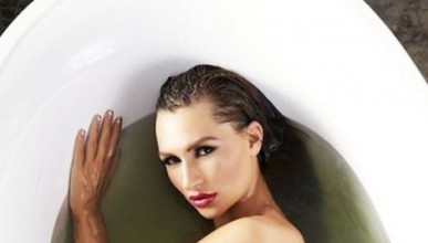 Росана в банята