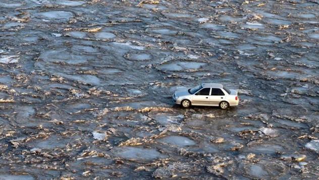 Да караш по много тънък лед