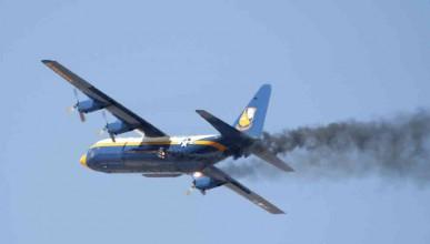 Пускането на газове в самолета е забранено