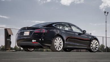 Обиколи САЩ с Tesla