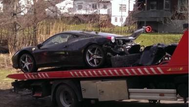 18-годишен потроши Ferrari 458 Italia