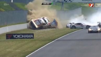 Audi R8 LMS пострада жестоко
