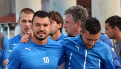 Валери Божинов подписа за една година с Левски