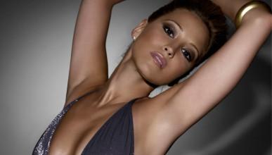 Рейчъл Стивънс е най-сексапилната жена на FHM