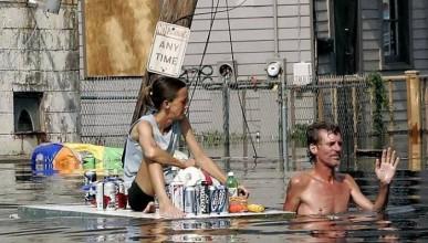 Жена изхвърля бирата на съпруга си