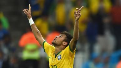 Бразилия с първа победа