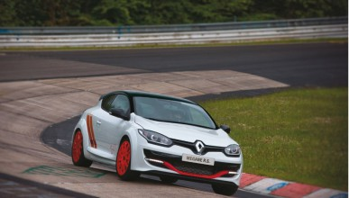 Renault с рекорд на Нюрбургринг