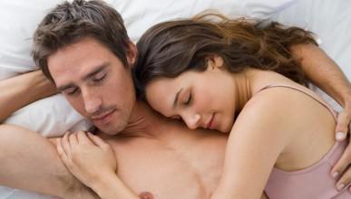 Голият сън е фактор на щастието в леглото (18+)