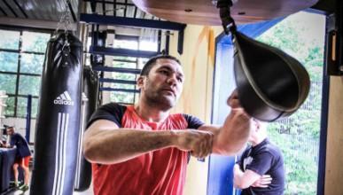 Кобрата тренира по 6 часа на ден за Кличко
