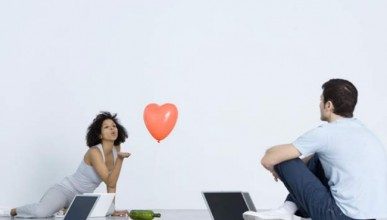 Интернет запознанствата в пълен блясък
