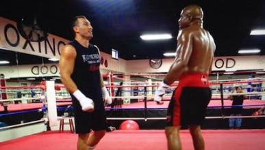 Бригс заплашва Кличко, Пулев контузи спаринг партньора си