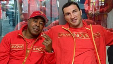 Треньорът на Кличко нападна Пулев