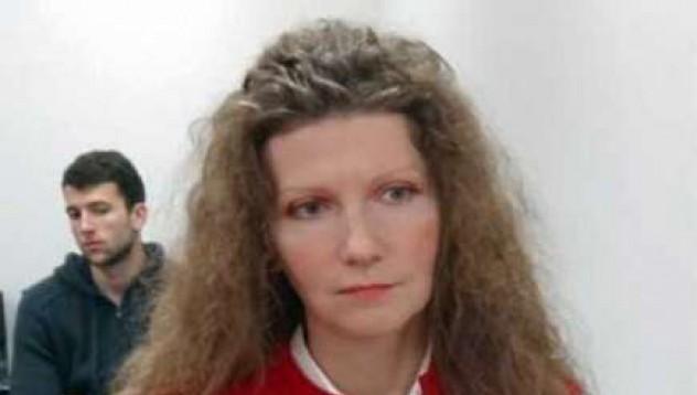 39-годишна поетеса доказа пред съда, че е девствена