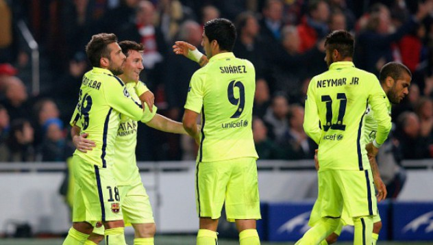 Барселона излиза от групите