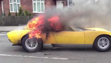 Lamborghini Miura SV в пламъци