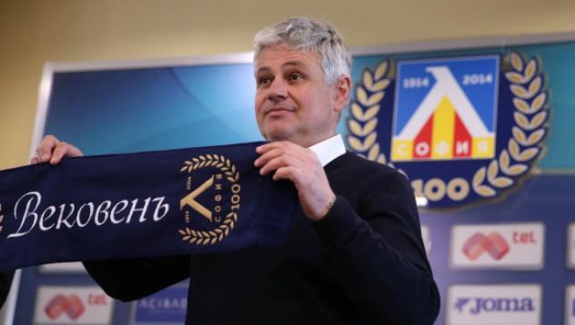 Стойчо Стоев започва да търси новите