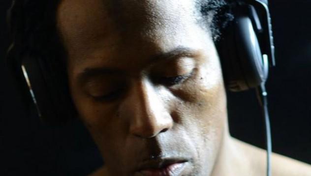 DJ може да изгуби слуха си завинаги