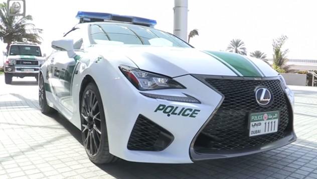 Lexus RC F става патрулна кола