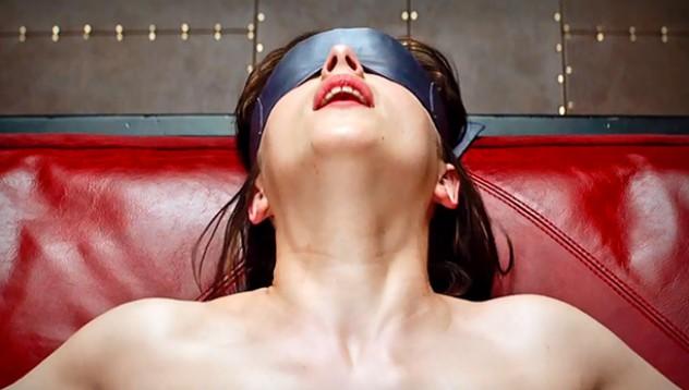 Заловиха жена да мастурбира в кино салон