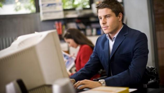 Жените изневеряват най-много на счетоводители