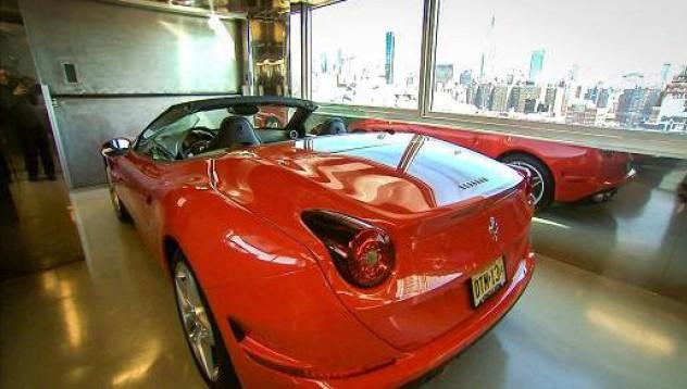 Това Ferrari има най-добрата гледка в Манхатън